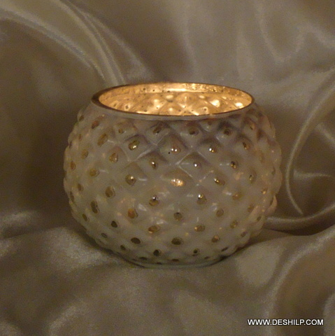 ROUND GLASS SILVER FINISH CANDLE HOLDER
