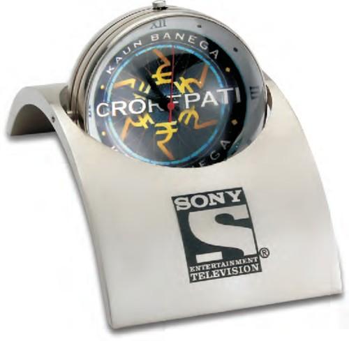 3d Dome Desk Watch