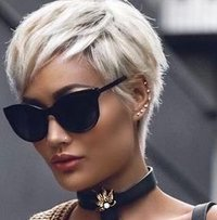 Paltinum Blonde Short
