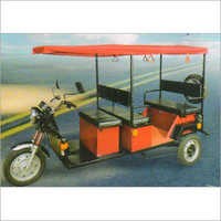 E-Rickshaw Passenger-Loading
