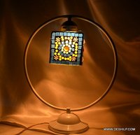 ANTIQUE FITTING GLASS TABLE LAMP