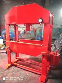 Manual hydraulic machine