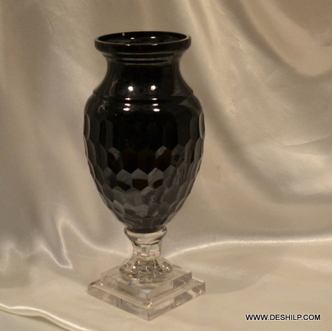 CRYSTAL CUTTING GLASS VASE