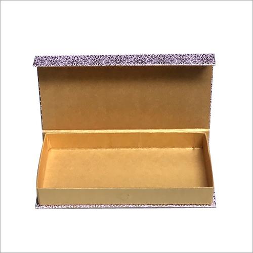金黄首饰盒