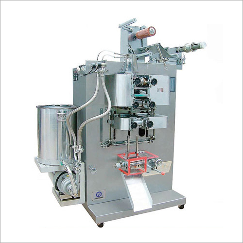 Liquid Filling and Sealing Machine