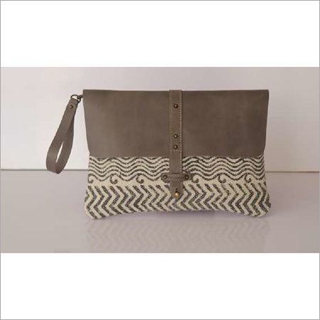 STYLISH COTTON RUG WRISTLET WITH