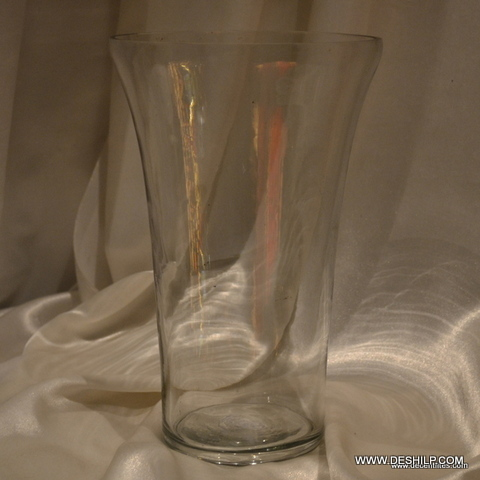CLEAR GLASS FLOWER VASE WITH UNIQUE STYLIE