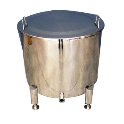 250 L Vertical Steel Milk Tank
