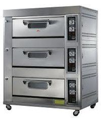 Three deck gas oven