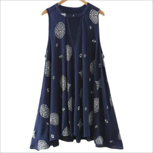Ladies Sleeveless Short Kurti