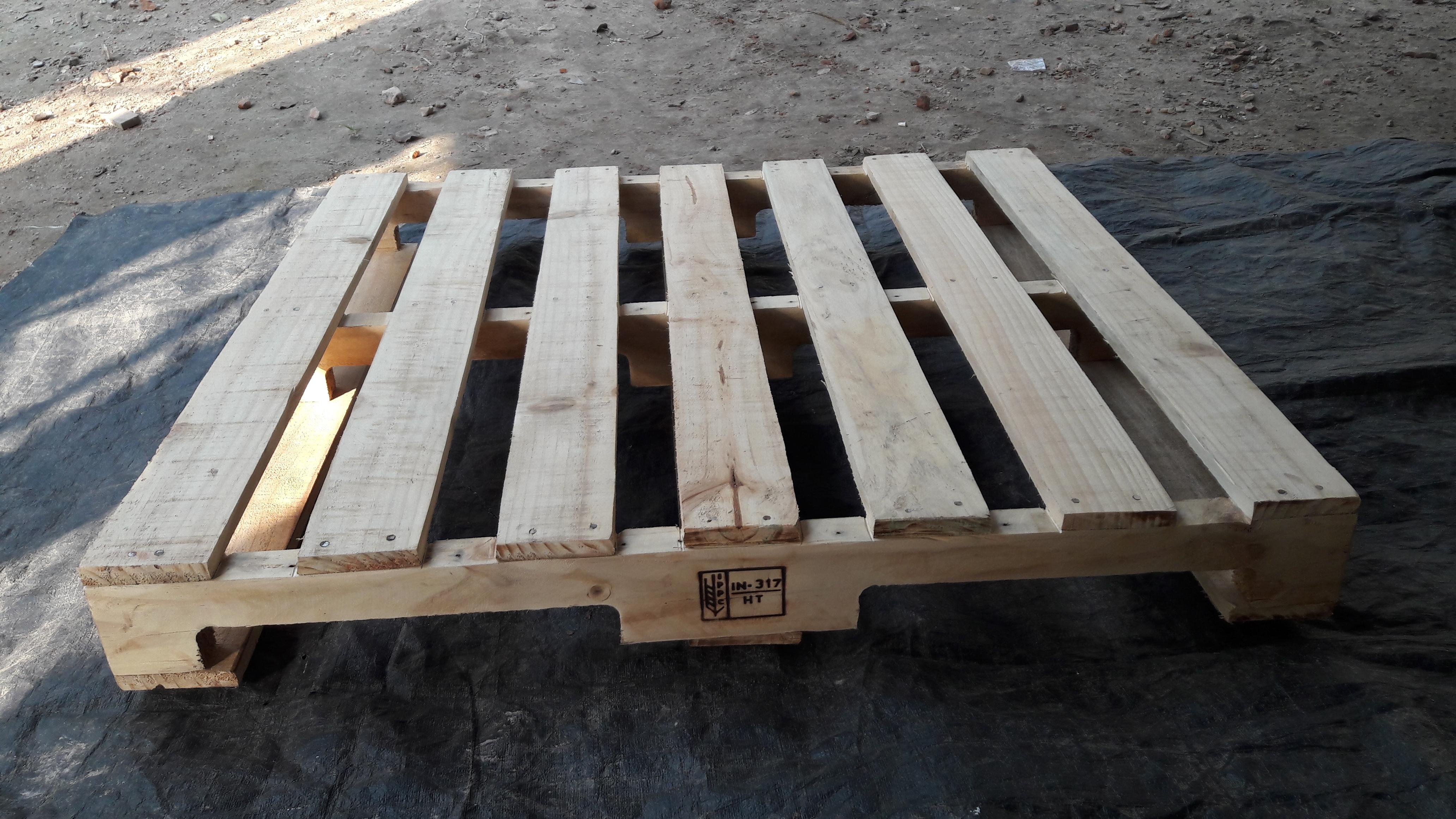 Heat Treated HT Wooden Pallets