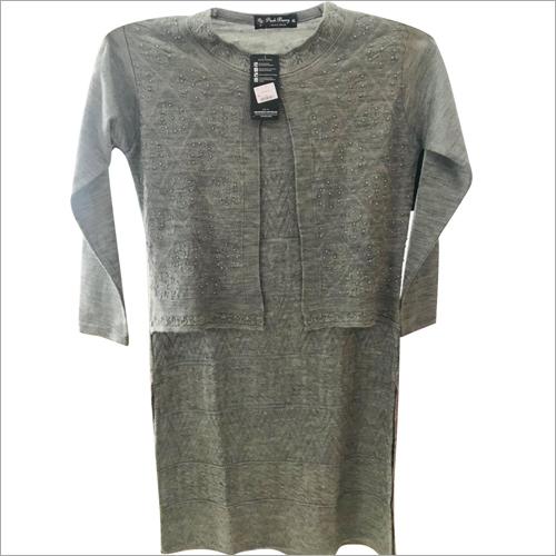Ladies Designer Round Neck Woolen Top