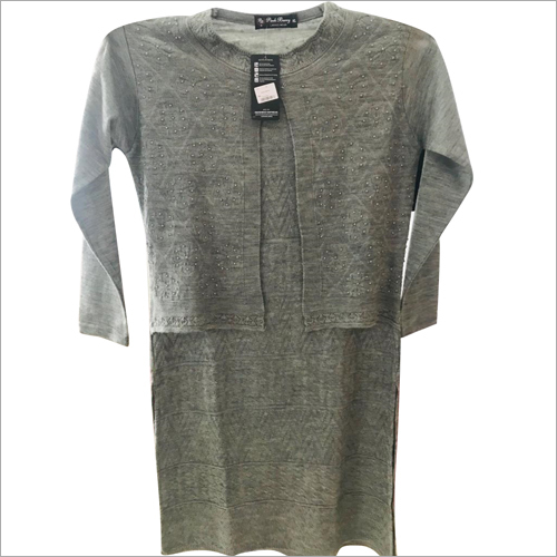 Ladies Designer Round Neck Woolen Top