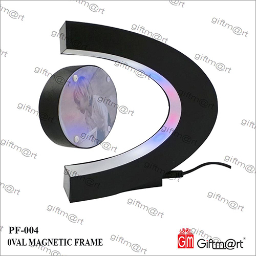0val Magnetic Photo Frame