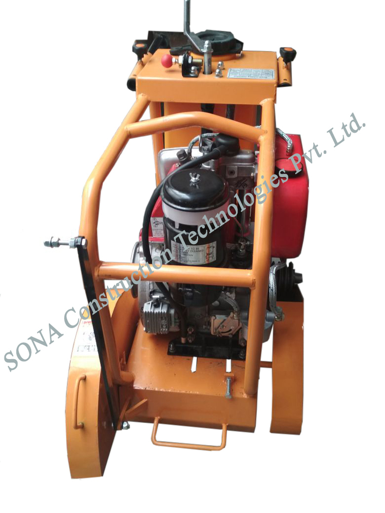 Concrete Cutter with Engine (Display)