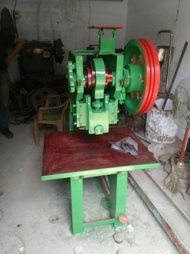 Slipper (Chappal) Sole Cutting Machine