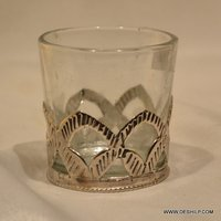 CLEAR GLASS MEAL FITTING CANDLE HOLDER