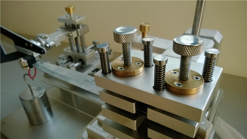 Strength test apparatus for knives, carving forks & spatulas