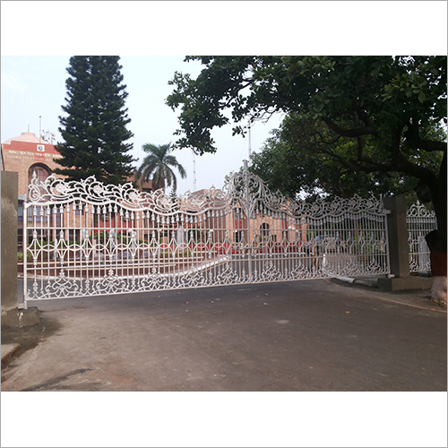 Cast Iron Gate - Giant