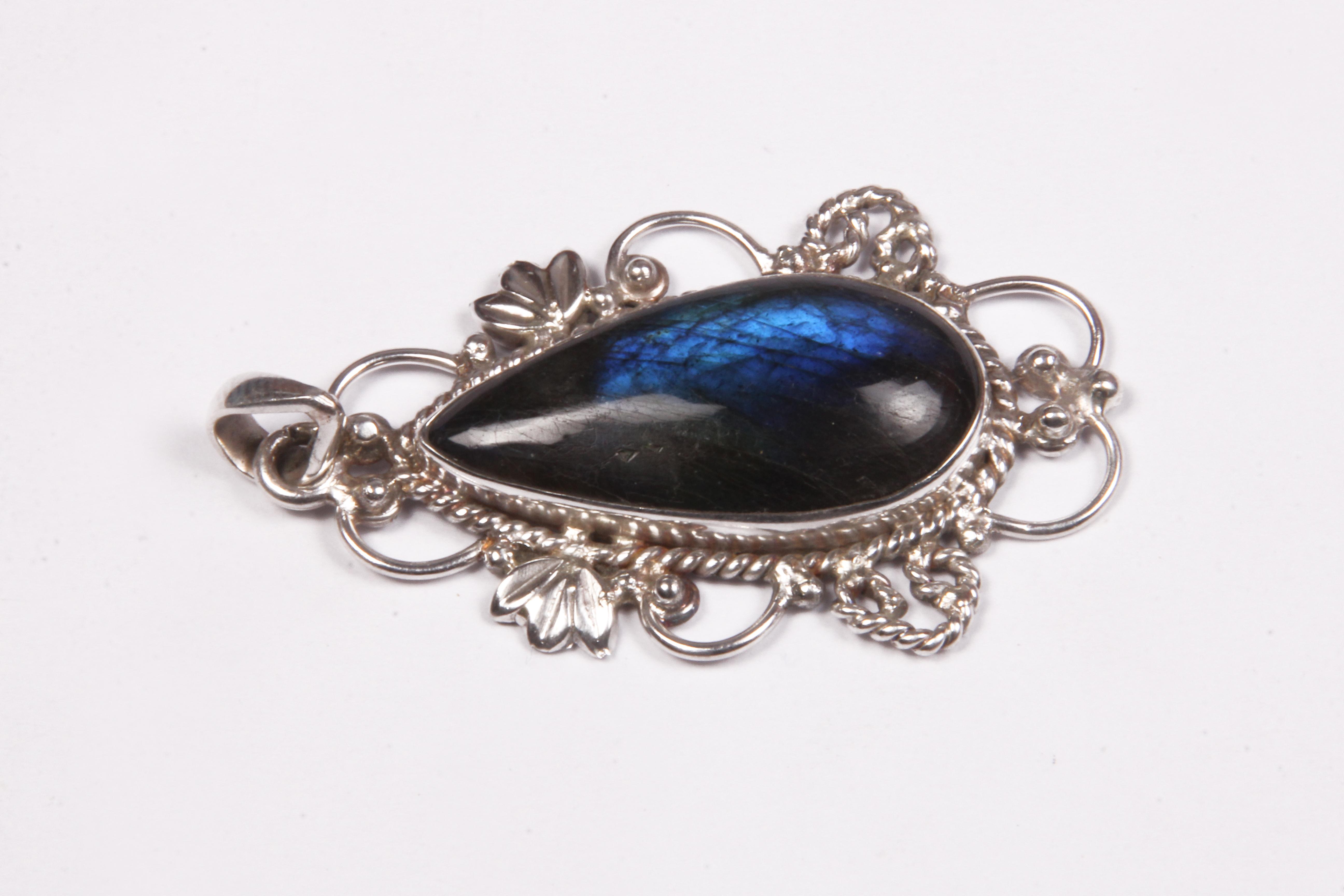 Labradorite 925 Silver Pendant