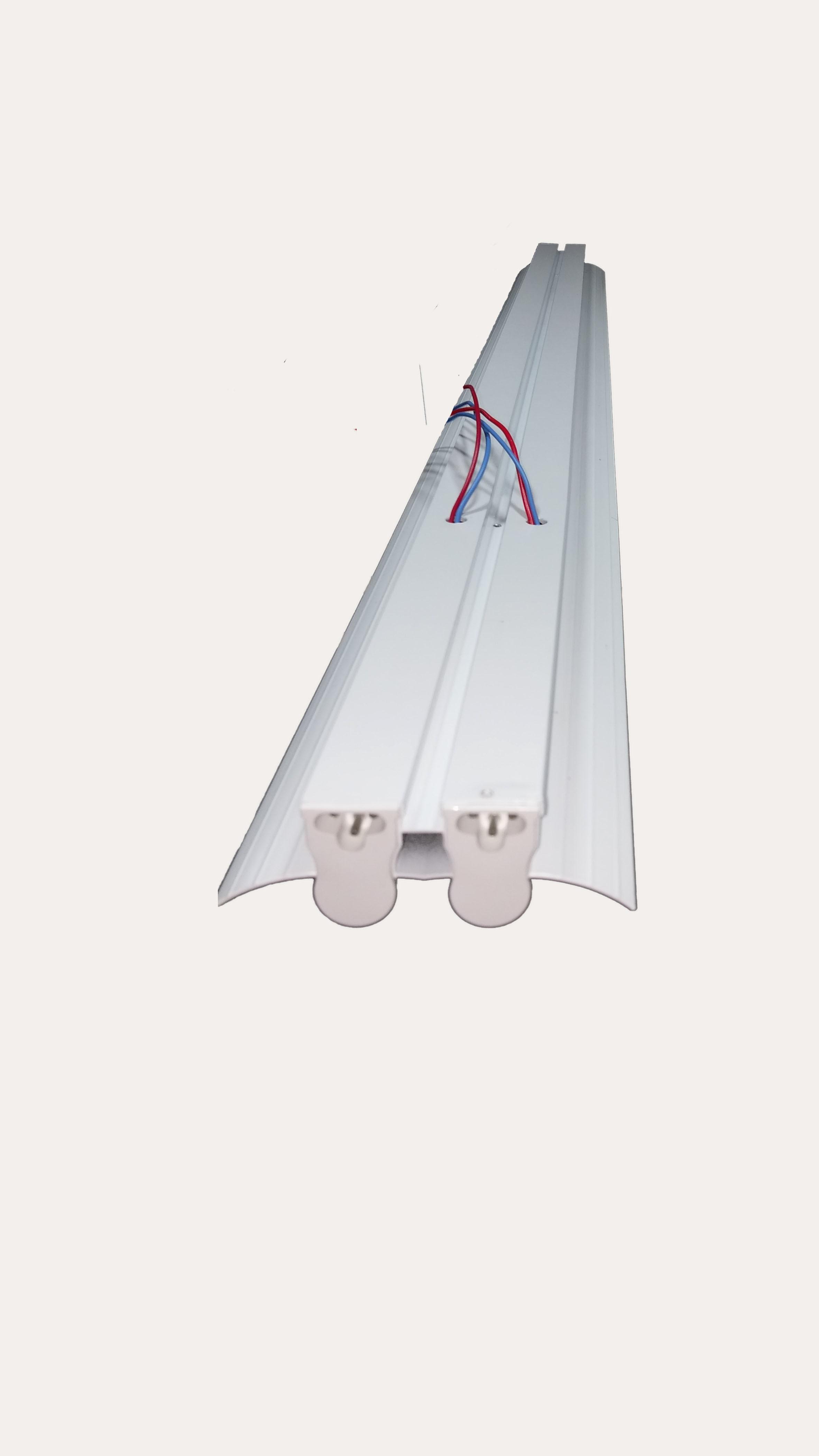 2 X 24 INDUSTRIAL T5 TUBE LIGHT