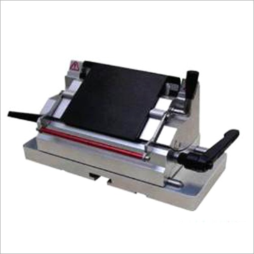 Microtome Disposable Blade Holder