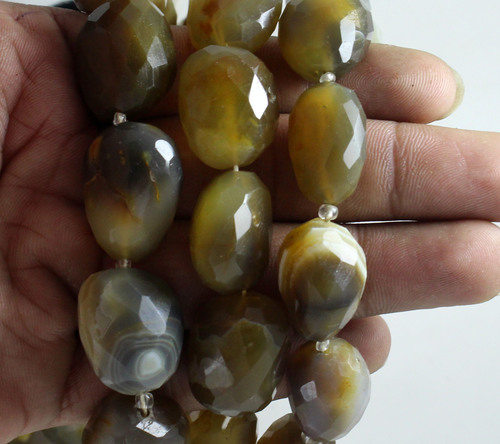 Pigeon Agate Beads