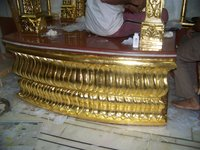 Gold gliding on God Pabasan