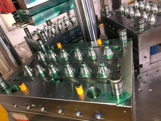 LED Bulb Molding Machine