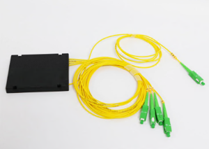 Single Mode Fiber Splitter 1 X 4 PLC Fibre Optic Splitter With G652D G657A1 G657A2 Fiber Optic Cable