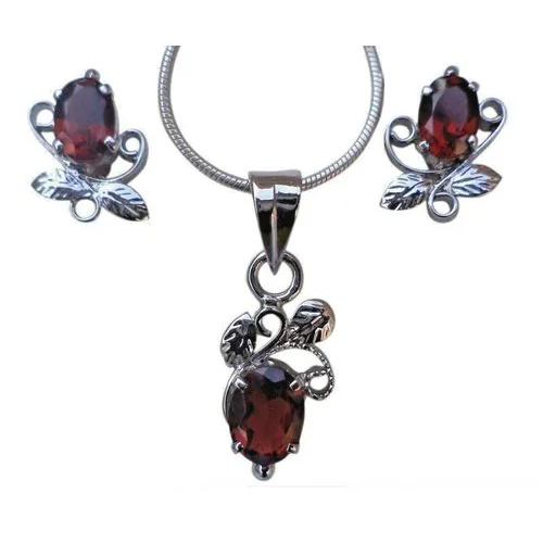 Faceted Garnet Red Gemstone Pendant & Earrings set