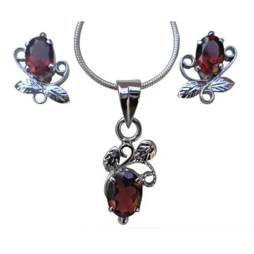 Faceted Garnet Red Gemstone Pendant & Earrings set