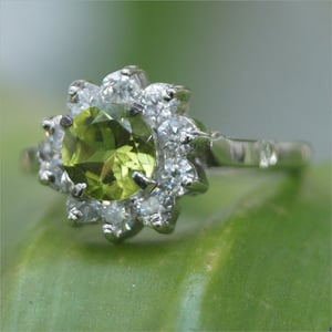 Ring Peridot With AD 925 Sterling Silver