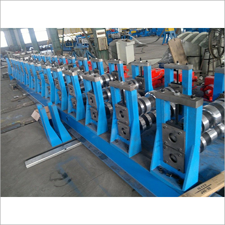 Auto Highway Guardrail Roll Forming Machine
