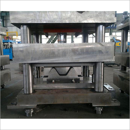 Precision Highway Guardrail Roll Forming Machine