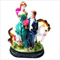Decorative Poly Stone Love Couple Statue