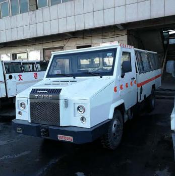 Gas start explosion-proof passenger vehicle