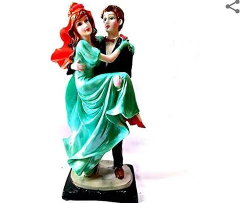 Decorative Romantic Couple Statue