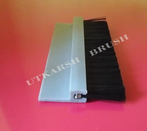Nylon Bristle PVC Strip Brush with Aluminium Holder