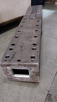 Rectangular pipe pultrusion mould