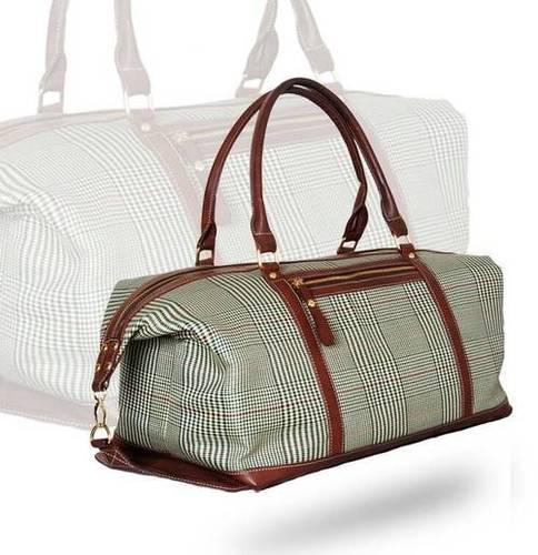Checks Printed Duffel Bag Shoulder Bag