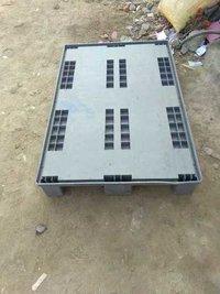 Plastic hand pallets 1200/800