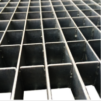 Plain style steel grating