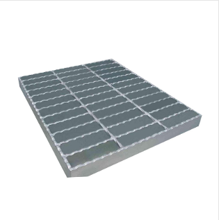 Serrated style steel grating