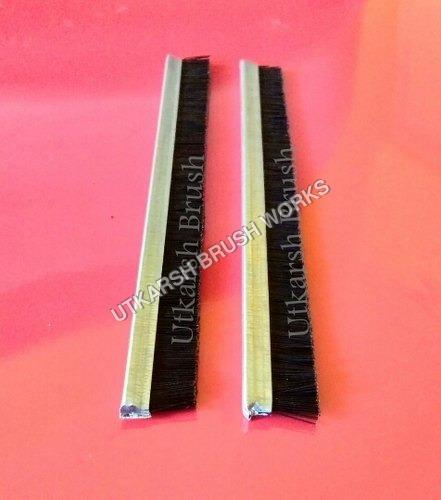 Nylon Strip Brush with GI base