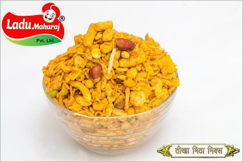 Tikha Mitha Mix Namkeen Carbohydrate: 14 Grams (G)