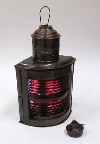 Large Ship Light Red Oil Lamp