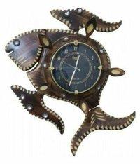 Brown Wooden Handicraft Circular Analog Wall Clock Fish Design