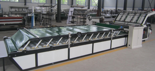 Semi Automatic Flute Laminator Machine High Speed With Alarm Device