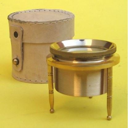 Magnifying Tripod with Leather box
